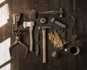 construction-work-carpenter-tools-large